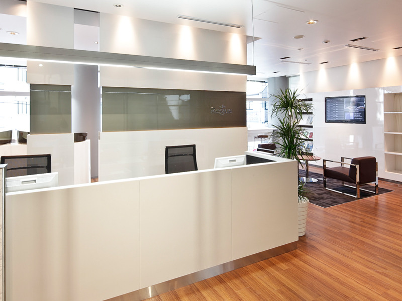 リージャス新大阪阪急ビルのオフィス内部の画像「フロント」