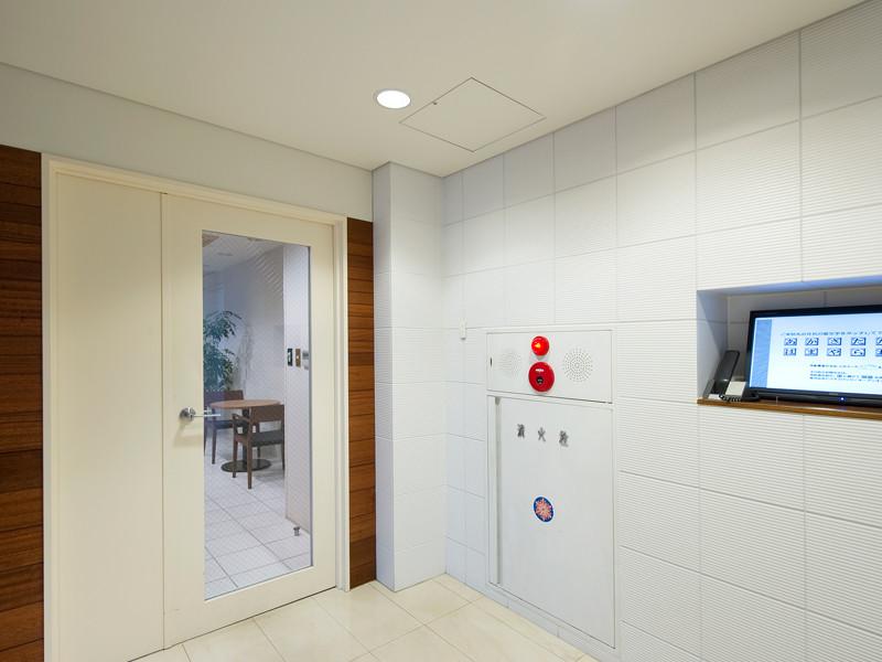 リージャスオープンオフィス新宿ウエストのオフィス内部の画像「フロント」