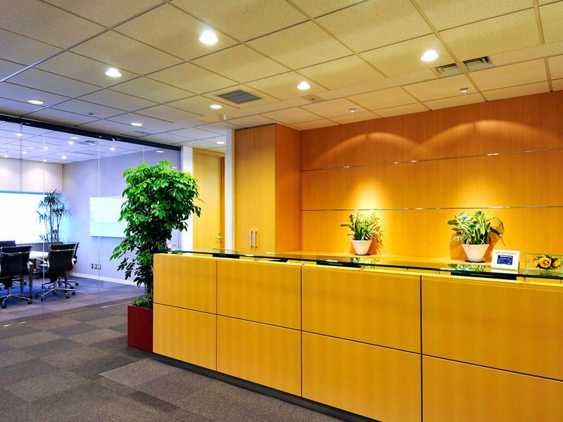 リージャス錦糸町アルカセントラルのオフィス内部の画像「フロント」