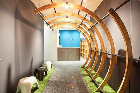 ワークスタイリング豊洲のオフィス内部の画像「フロント」