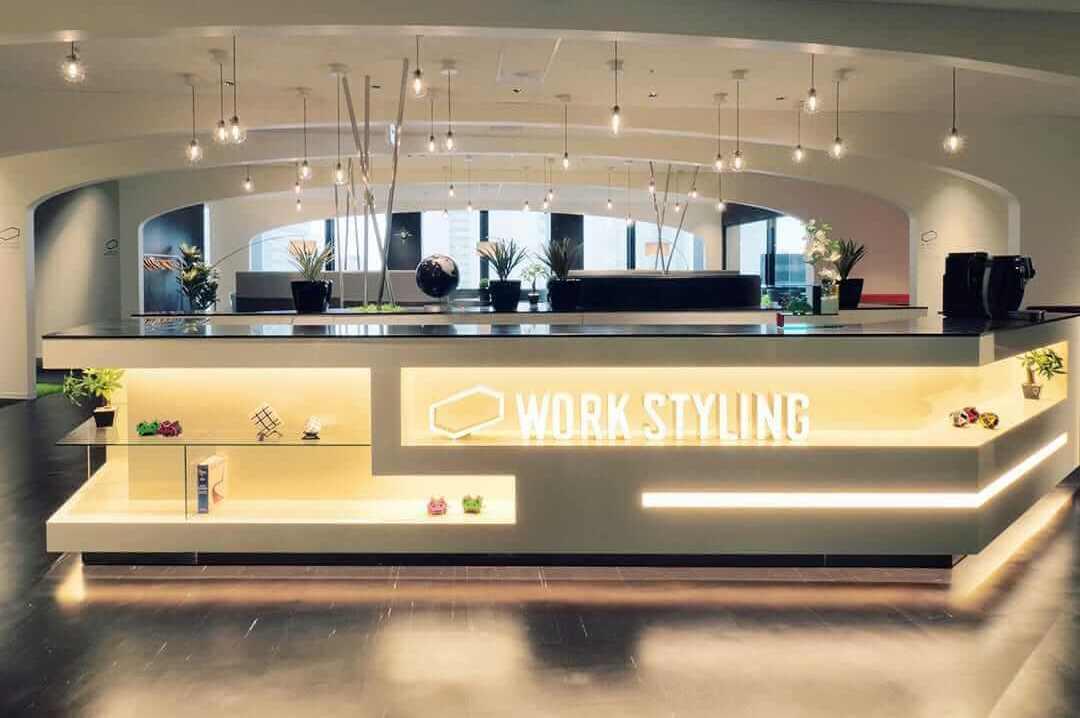 ワークスタイリング新宿三井ビルディングのオフィス内部の画像「フロント」